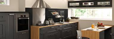 plane de travail cuisine cuisine les plans de travail sur mesure se plient à vos envies