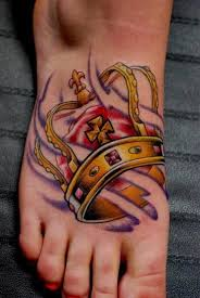 the 25 best crown tattoo on hand ideas on pinterest king crown