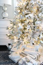 flocked tree white and gold glam style setting for four