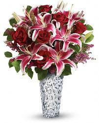 bouquet of lilies teleflora s diamonds and lilies bouquet t13v210a 94 95