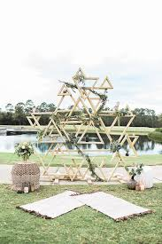 wedding backdrop greenery 31 trendy geometric wedding backdrops weddingomania