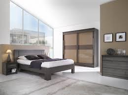 chambre a coucher gris et chambre coucher en bois et rangements meubles massif meuble de a