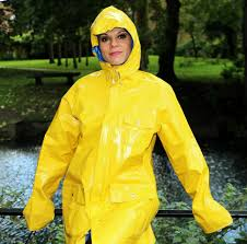 bike raincoat shiny yellow raincoat regenjacken pinterest yellow