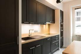 cuisine en noir cuisine et bois projet de rénovation à rennes idkrea