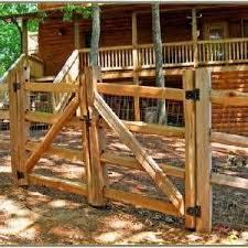 Backyard Fence Styles by Best 25 Cheap Fence Ideas Ideas On Pinterest Cheap Privacy