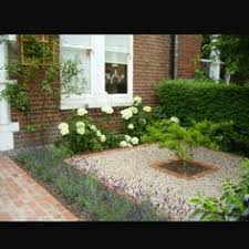 front garden design 25 landscape design for small spaces white pebbles small space