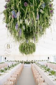 Hanging Chandelier Over Table by Best 25 Flower Chandelier Ideas On Pinterest Flower Mobile