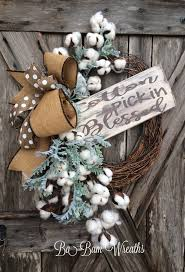Decorating Grapevine Wreaths For Christmas by Best 25 Rustic Wreaths Ideas On Pinterest Spring Wreaths