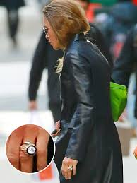 kate s wedding ring kate s engagement ring and wedding band combo is everything
