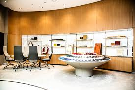 bentley dubai world u0027s largest bentley dealership opens in you guessed it