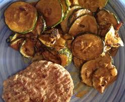 cuisiner aubergine a la poele poêlée de courgettes au curry onctueuse recette de poêlée de