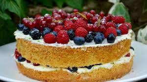 cuisine de gateau gâteau aux fruits rouges recette par la p tite cuisine de pauline