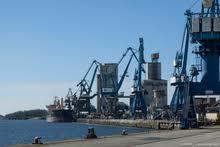 chambre de commerce de lorient le port de commerce de lorient en ligne chambre de commerce et d