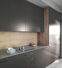 recouvrir meuble de cuisine customiser un meuble de cuisine moderne leroy merlin 5732839 lzzy co