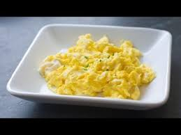 How To Make Really Good Scrambled Eggs How To Make Scrambled Eggs With Cheese Youtube