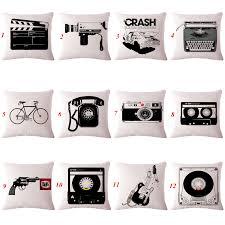 taie d oreiller pour canapé pas cher noir et beige décoratif coussins outils vintage