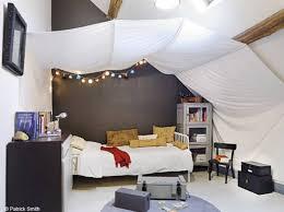 peinture chambre sous pente stunning deco chambre sous pente contemporary ansomone us