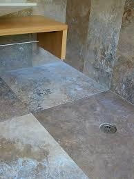 piastrelle in pietra per bagno gallery of venato scuro travertino toscano per rivestimenti bagno