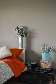 a simple guest bedroom aka pink room makeover madness u0026 method