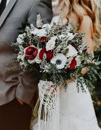bridal bouquets our favorite 9 winter bridal bouquets winter wedding essentials