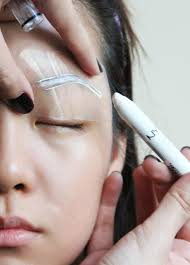 Shaping Eyebrows At Home How To Shape Your Eyebrows A Step By Step Guide