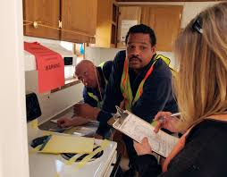 Interior Of Mobile Homes by File Fema 33711 Fema And Contractors Inspect The Interior Of