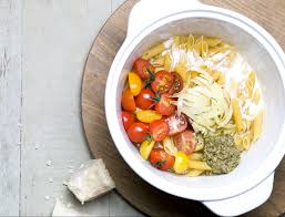 recettes de cuisine femme actuelle one pot pasta tomates cerises et pesto recettes les recettes de
