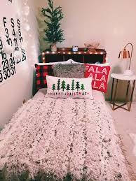 Pinterest Bedroom Decor by 3 Easy Dorm Decorating Ideas For The Winter Holidays Decoration