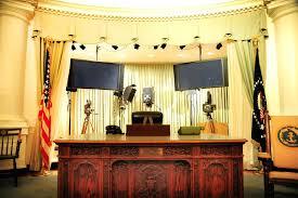 Oval Office Desk Oval Office Presidents Hms Resolute Desk Office Design