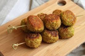 cuisiner poivrons verts croquettes de poivron vert courgette et flocons d avoine avec ou