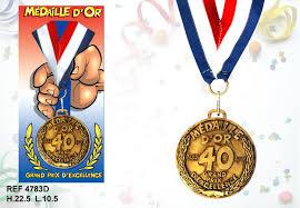 40 ans de mariage cadeau humoristique anniversaire médaille d or 40 ans à prix choc