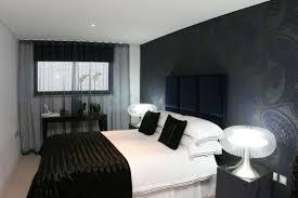 schwarzes schlafzimmer schlafzimmer modern schwarz weiß cabiralan