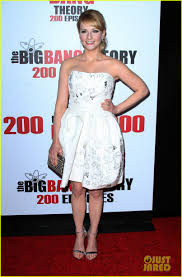 kaley cuoco u0026 jim parsons celebrate big bang u0027s 200th episode