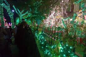 brooklyn christmas decorations u0026 dyker heights lights photos