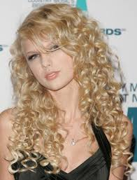 best haircut for long curly hair 5 best taylor swift hair looks taylor swift u0027s signature hairstyles