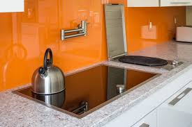 Color Your Modern Minimalist Kitchen With Soft Light Acrylic - Acrylic backsplash