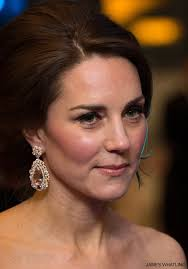 earrings kate middleton kate middleton s jewellery earnings necklaces rings worn by kate