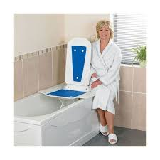 siège pour baignoire handicapé siège élévateur de bain deltis