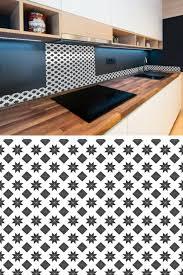 credence cuisine autocollante 19 idées pour une crédence adhésive imitation carreaux de ciment