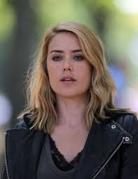 lizzy from black list hair megan boone on the set of the blacklist in new york 08 28 2015