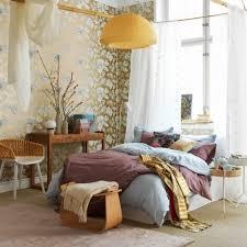 chambre feminine une chambre très féminine avec un jeu de couleurs tendres decodesign