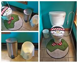 funny toilet cover and rug idea for christmas bathroom decor