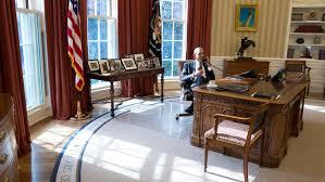 White House Oval Office Desk by Oval Office Carpet Trump Carpet Vidalondon