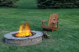 Fire Pit Ideas For Small Backyard by Exterior Backyard Creations Fire Pit With Kithcen Outdoor Design