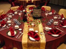 christmas decor for round tables christmas round table decorations round table setting ideas granprix