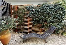 gartengestaltung sichtschutz holzzaun und sichtschutz aus holz im garten bauen
