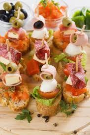 idée canapé apéro culinaire idées toast apéro en brochette de mozzarella olives