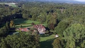 tom cruise mansion tom cruise s british mansion he shared with ex wife is put on