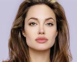 hairstyles fow women with wide chin square face a wide short forehead with a square jaw that is in