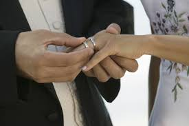 how to wear wedding ring set wediquette wednesday what s the proper way to wear my wedding